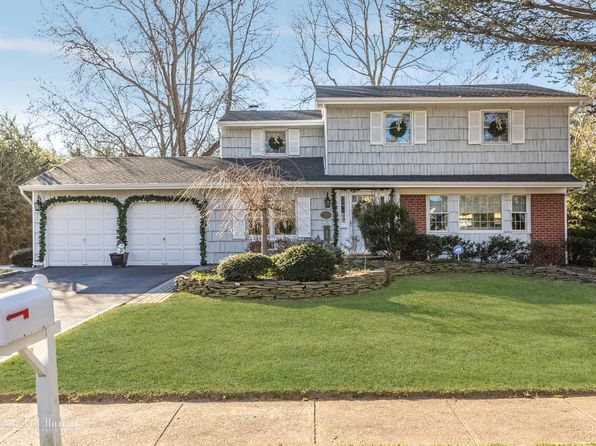 4 bed 3 bath Single Family at 14 BARTEL DR GREENLAWN, NY, 11740 is for sale at 645k - 1 of 19