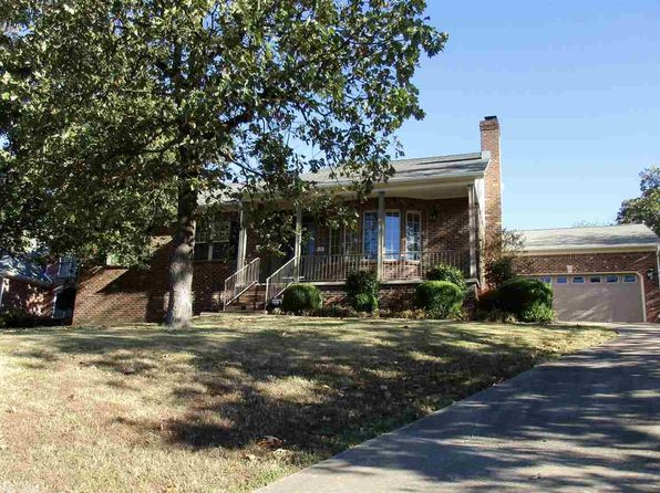 4 bed 3 bath Single Family at 3 Manor View Ct Little Rock, AR, 72211 is for sale at 295k - 1 of 29