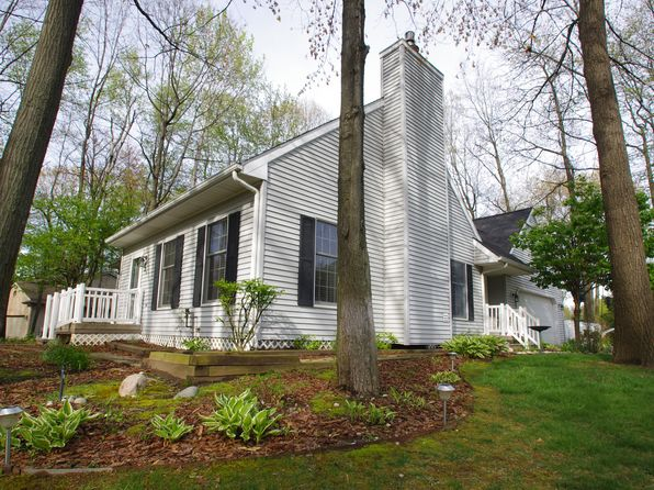 4 bed 2 bath Single Family at 505 E Geneva Dr Dewitt, MI, 48820 is for sale at 220k - google static map