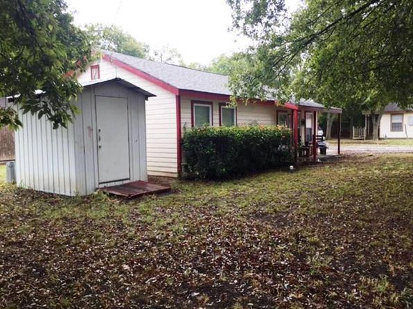 2 bed 1 bath Single Family at 403 N 2nd St Trenton, TX, 75490 is for sale at 88k - 1 of 19