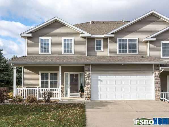 2 bed 3 bath Townhouse at 10635 Hickory Dr Urbandale, IA, 50322 is for sale at 160k - 1 of 22