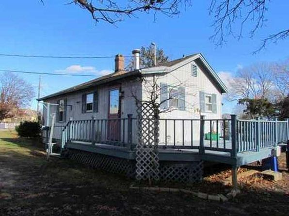 1 bed 1 bath Single Family at 5 Enfield Ave North Kingstown, RI, 02852 is for sale at 175k - 1 of 2