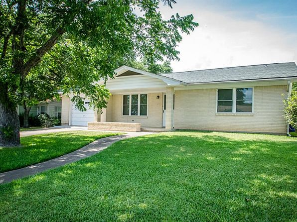 2 bed 2 bath Single Family at 307 South St Schulenburg, TX, 78956 is for sale at 129k - 1 of 19