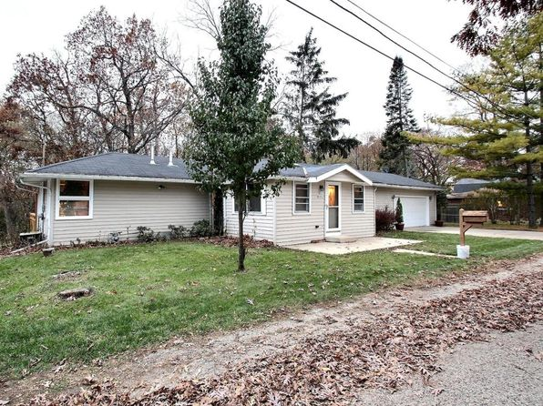 2 bed 2 bath Single Family at N22W28823 Oak Ln Pewaukee, WI, 53072 is for sale at 209k - 1 of 25
