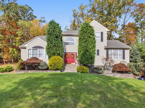 5 bed 3 bath Single Family at 506 Andrew St Green Brook, NJ, 08812 is for sale at 736k - 1 of 20