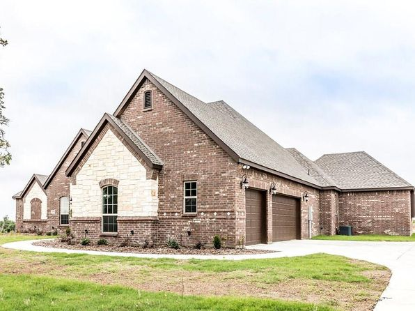 4 bed 3 bath Single Family at 3901 J.E. Woody Springtown, TX, 76082 is for sale at 400k - 1 of 28