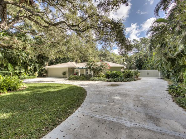 3 bed 3 bath Single Family at 2807 Cortez Blvd Fort Myers, FL, 33901 is for sale at 435k - 1 of 27