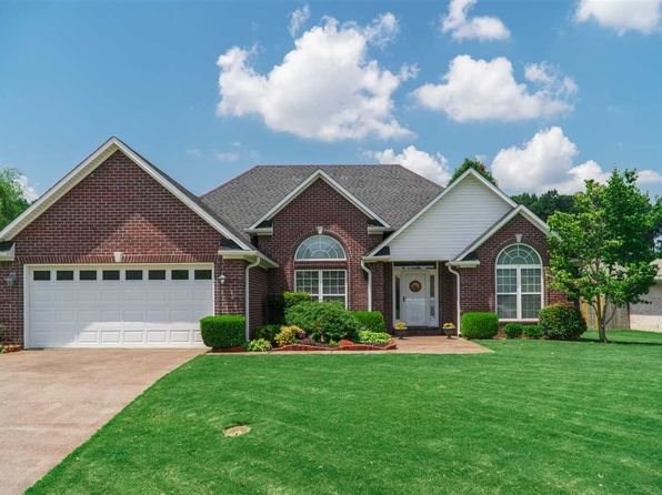 3 bed 2 bath Single Family at 13 Lochridge Cv Jackson, TN, 38305 is for sale at 148k - 1 of 23