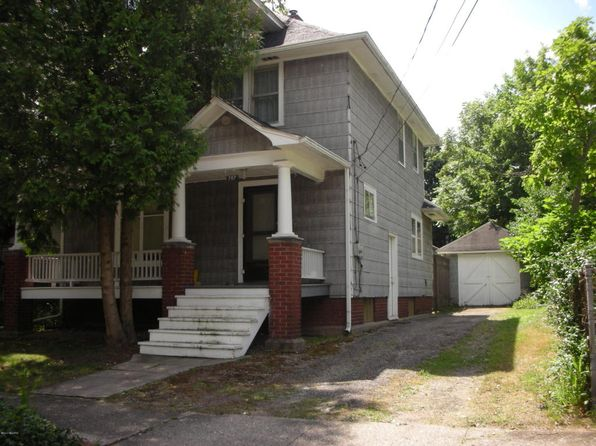 3 bed 1 bath Single Family at 707 Forest St Kalamazoo, MI, 49008 is for sale at 69k - 1 of 18