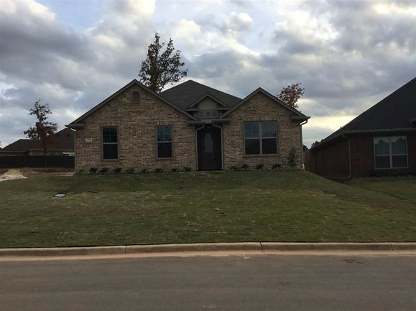 3 bed 2 bath Single Family at 3356 Celebration Way Longview, TX, 75605 is for sale at 300k - 1 of 22