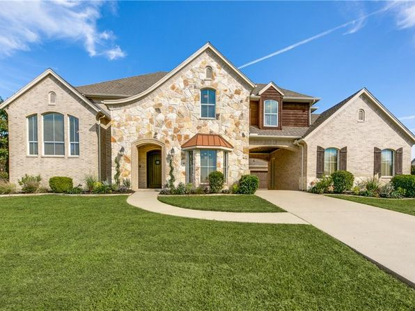 5 bed 5 bath Single Family at 1019 Cove Meadow Ct Cedar Hill, TX, 75104 is for sale at 440k - 1 of 35