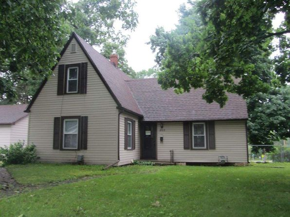 3 bed 2 bath Single Family at 2103 Sunnyside Dr Cedar Falls, IA, 50613 is for sale at 129k - 1 of 8