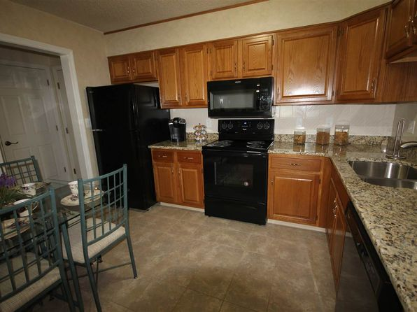 2 bed 1 bath Condo at 490 N River 31 Rd Manchester, NH, 03104 is for sale at 160k - 1 of 11