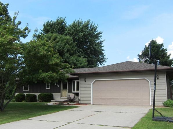 3 bed 2 bath Single Family at 716 Wilson Ave Cleveland, WI, 53015 is for sale at 138k - 1 of 24