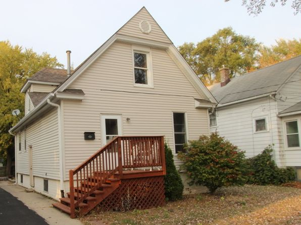 2 bed 2 bath Single Family at 212 1st St Woodstock, IL, 60098 is for sale at 120k - 1 of 10