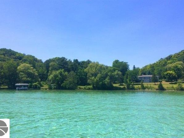 1 bed 1 bath Single Family at  Tbd NW Torch Lake Dr Kewadin, MI, 49648 is for sale at 495k - 1 of 3