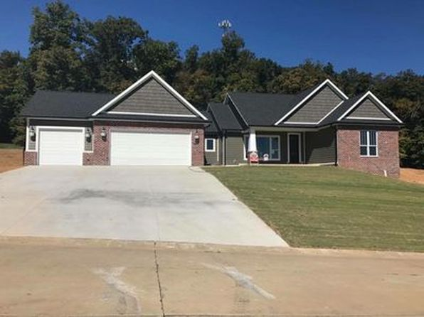 4 bed 5 bath Single Family at 2126 Silver Campine Ln Cape Girardeau, MO, 63701 is for sale at 550k - 1 of 19