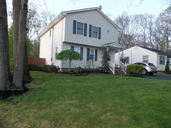 3 bed 3 bath Single Family at 46 Lake Ave Helmetta, NJ, 08828 is for sale at 390k - 1 of 25