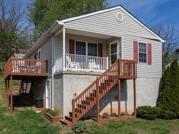 3 bed 2 bath Single Family at 116 Peyton St Staunton, VA, 24401 is for sale at 124k - 1 of 18