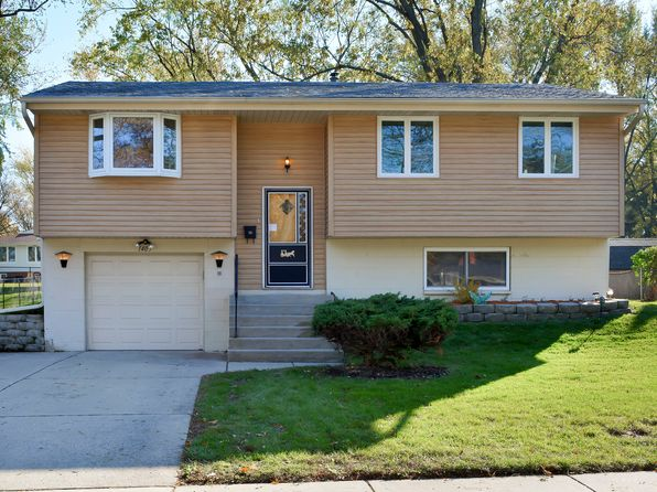 4 bed 2 bath Single Family at 1405 Cabot Ln Schaumburg, IL, 60193 is for sale at 269k - 1 of 37