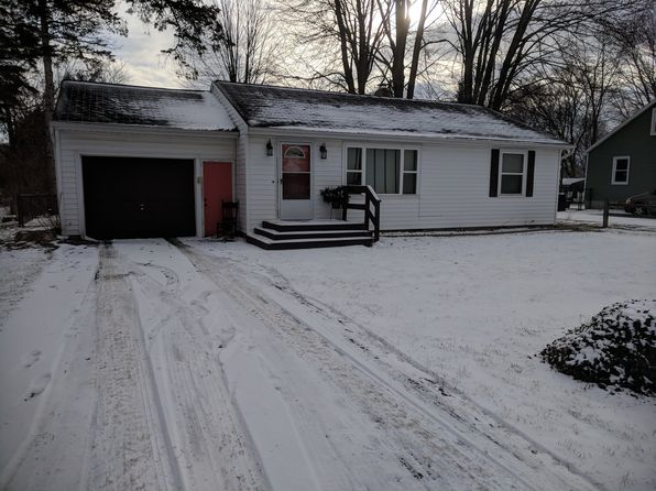 2 bed 1 bath Single Family at 1640 E High St Mount Pleasant, MI, 48858 is for sale at 95k - 1 of 26