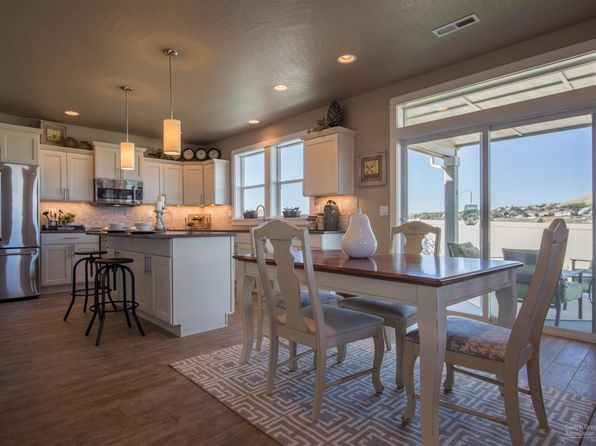 5 bed 3 bath Single Family at 1948 NE Cliff Dr Bend, OR, 97701 is for sale at 555k - google static map