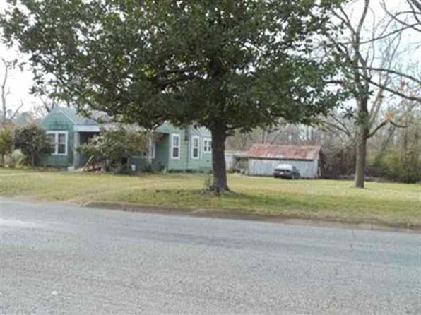 2 bed 1 bath Single Family at 2500 E Houston St Marshall, TX, 75672 is for sale at 90k - 1 of 3
