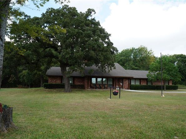 2 bed 2 bath Single Family at 1315 Country Ln Malakoff, TX, 75148 is for sale at 198k - 1 of 34