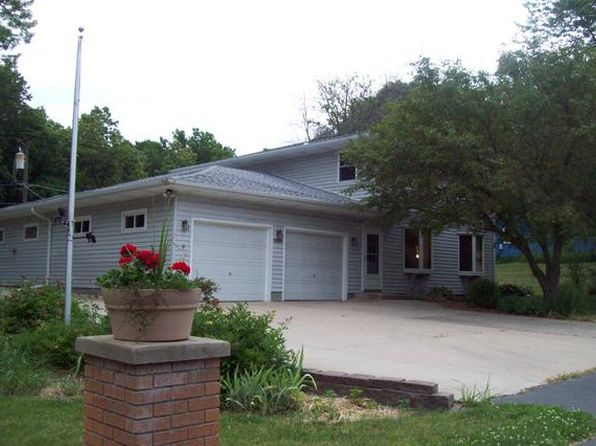 3 bed 3 bath Single Family at 16136 Strawberry Rd Morrison, IL, 61270 is for sale at 139k - 1 of 13