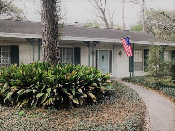 4 bed 2 bath Single Family at 217 Mignon Ln Houston, TX, 77024 is for sale at 515k - 1 of 6