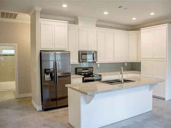 3 bed 2 bath Single Family at 9581 Thousand Oaks Loop Montgomery, TX, 77316 is for sale at 200k - 1 of 16