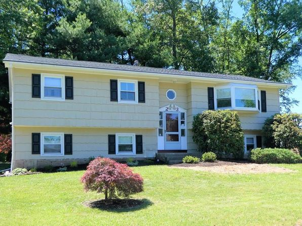 4 bed 3 bath Single Family at 23 Lancaster Dr Suffern, NY, 10901 is for sale at 399k - 1 of 23