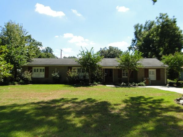 4 bed 2 bath Single Family at 410 Macarthur St Greenwood, MS, 38930 is for sale at 260k - 1 of 20