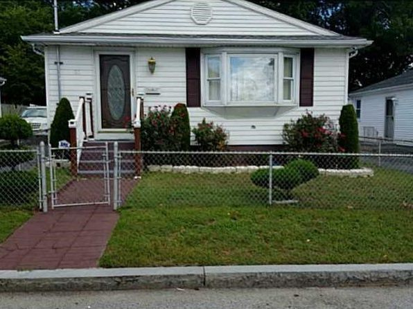 3 bed 2 bath Single Family at 21 Dresser St Providence, RI, 02909 is for sale at 170k - 1 of 12