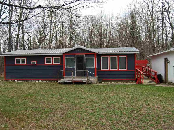 2 bed 1 bath Single Family at N7502 Carmody Rd Munising, MI, 49862 is for sale at 50k - 1 of 16
