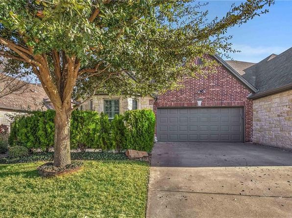 3 bed 2 bath Townhouse at 719 N Avalon Ct Granbury, TX, 76048 is for sale at 245k - 1 of 22