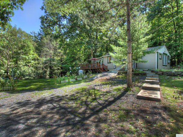 2 bed 1 bath Single Family at 249 Five Mile Woods Rd Catskill, NY, 12414 is for sale at 150k - 1 of 13
