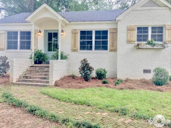 4 bed 1 bath Single Family at 88 S Commerce St Ackerman, MS, 39735 is for sale at 150k - 1 of 27