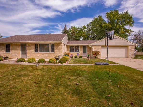 2 bed 2 bath Single Family at 4620 N 134th St Brookfield, WI, 53005 is for sale at 229k - 1 of 23