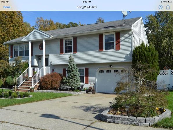 4 bed 3 bath Single Family at 8 Colgate Ct Hazlet, NJ, 07730 is for sale at 420k - 1 of 22