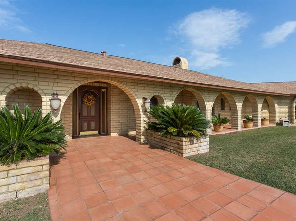 4 bed 3 bath Single Family at 16632 US Hwy 90 W Del Rio, TX, 78840 is for sale at 600k - 1 of 25