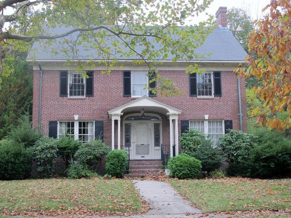 5 bed 4 bath Single Family at 1 Metcalf St Worcester, MA, 01609 is for sale at 349k - 1 of 30