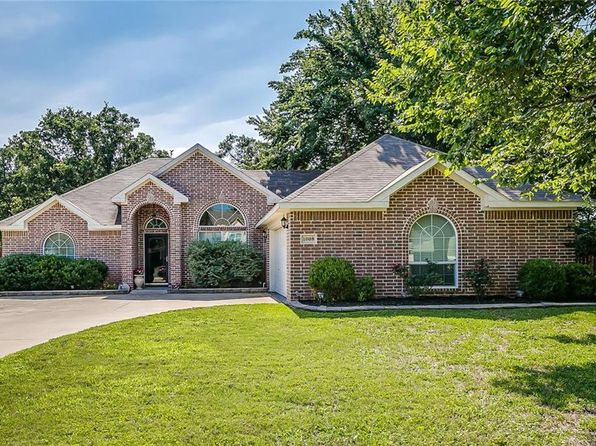 3 bed 2 bath Single Family at 1008 Linda Dr Joshua, TX, 76058 is for sale at 185k - 1 of 32