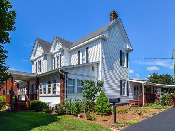 5 bed 3.1 bath Single Family at 1007 Hershberger Rd NW Roanoke, VA, 24012 is for sale at 195k - 1 of 31
