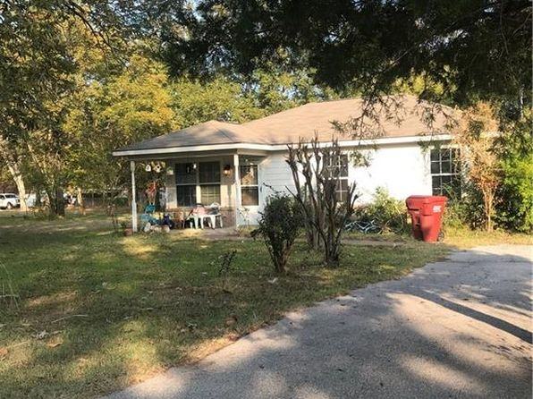 2 bed 1 bath Single Family at 410 N Houston St Grand Saline, TX, 75140 is for sale at 60k - 1 of 5