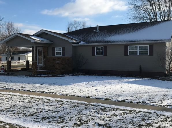 3 bed 3 bath Single Family at 600 W Maple St Gillespie, IL, 62033 is for sale at 179k - 1 of 24