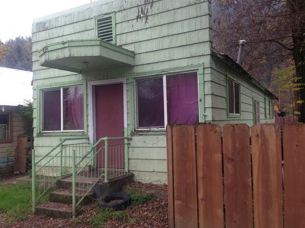 1 bed 1 bath Single Family at 64142 2nd Ave Happy Camp, CA, 96039 is for sale at 57k - 1 of 2
