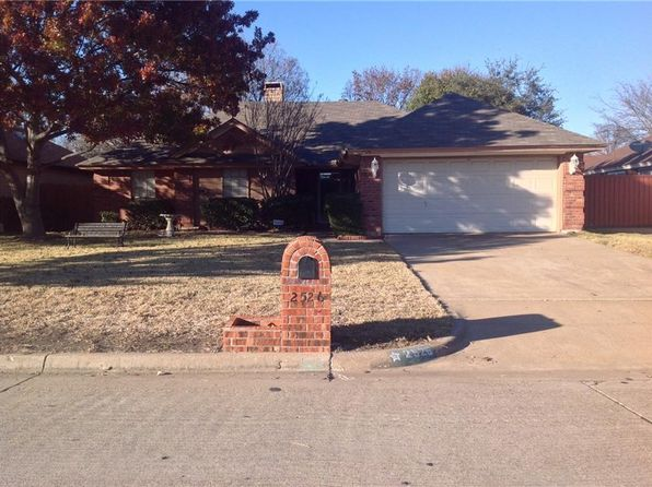 3 bed 2 bath Single Family at 2526 Channing Dr Grand Prairie, TX, 75052 is for sale at 155k - 1 of 3