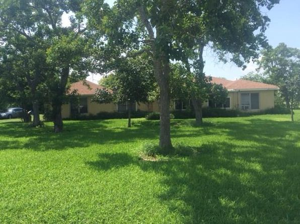 3 bed 1 bath Single Family at 2503 W Austin St Port Lavaca, TX, 77979 is for sale at 65k - 1 of 5