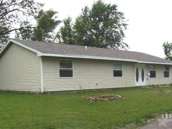4 bed 2 bath Single Family at 1306 Summer St Fort Wayne, IN, 46803 is for sale at 66k - 1 of 8